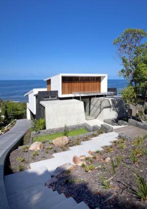vue extérieure façade entrée - Coolum Bays House par Aboda Design Group - Coolum Beach, Australie - photo Paul Smith