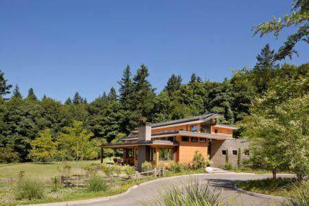 vue extérieure façade entrée - Skyline Residence par Nathan Good Architects - Portland, Usa