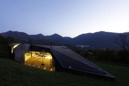 vue extérieure nuit - Alps Villa par Camillo Botticini Architect - Brescia, Italie