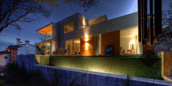 vue extérieure nuit - City View Residence par Dick Clark Architecture - Austin, Usa