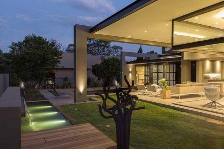 vue extérieure nuit - House Sar par Nico van der Meulen Architects - Johannesbourg, Afrique du Sud