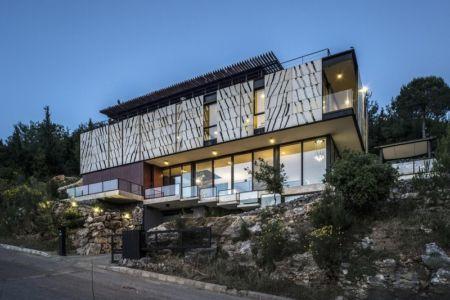 vue extérieure nuit - Tahan Villa par BLANKPAGE Architects - Kfour, Liban