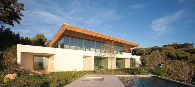 vue extérieure piscine - Alon House par AABE et Partners -France