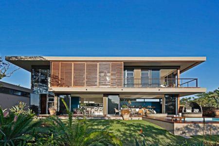 vue extérieure terrasse - Aloe Ridge House par Metropole Architects - Kwa Zulu Natal, Afrique du Sud