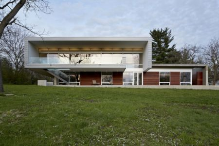 vue extérieure terrasse - Riverview House Studio Dwell Architects - Wayne, Usa