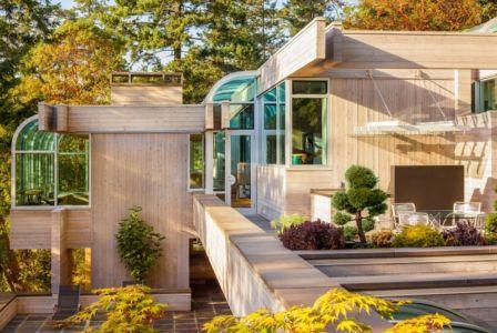 vue extérieure - villa contemporaine en bois par Daniel Evan White - Saanich, Canada