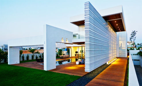 vue façade - Five Star Caesarea Dream Home par Gal Marom Architects - Israel