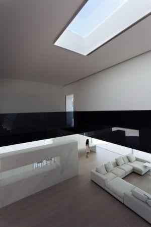 vue mezzanine - Casa Balint par Fran Silvestre Arquitectos - Valence, Espagne