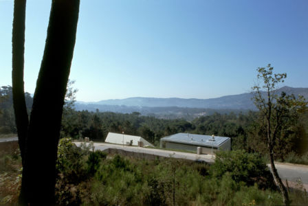 vue panoramique - 2houses-de-moura par Eduardo Souto De Moura - Ponte de Lima, Portugal