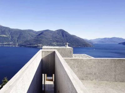 vue panoramique - House in Brissago par Wespi de Meuron Romeo architects - Brissago, Suisse