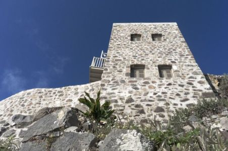 vue panoramique façade - Sterna Nisyros par  Giorgos Tsironis - Nisyros en Grèce