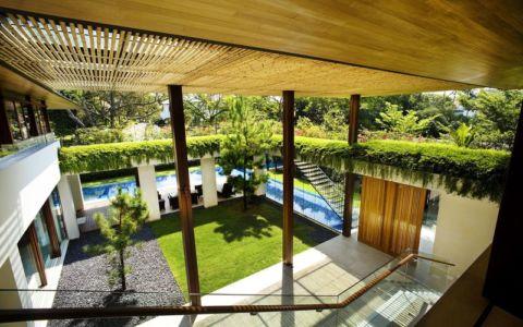 vue panoramique façade jardin - Tangga House par Guz Architects - Bukit Timah, Singapour