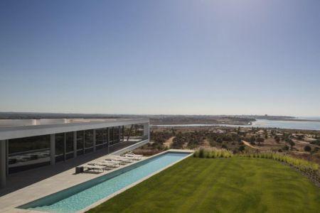 vue panoramique façade piscine - zauia-house par mario martins atelier - Val da Lama, Portugal