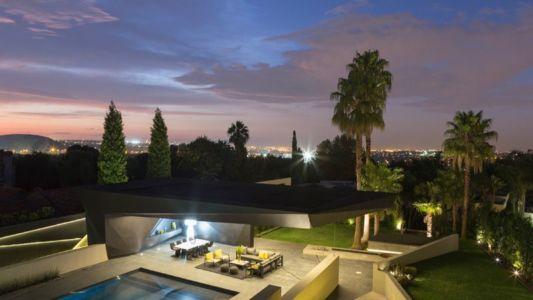 vue panoramique façade terrasse & jardin - Kloof-Road-House par Nico van der Meulen Architects - Johannesburg, Afrique du Sud