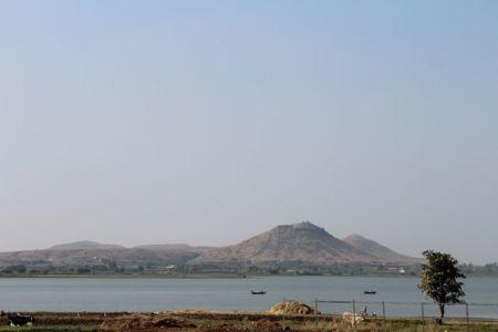 vue panoramique fleuve - Panorama House par Ajay Sonar - Maharashtra, Inde