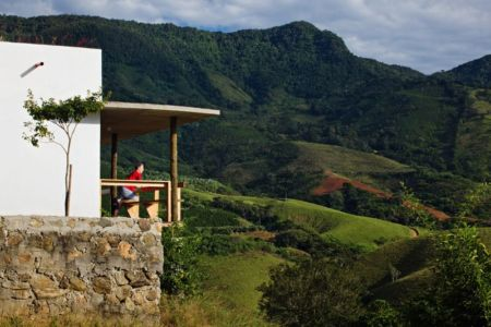 vue panoramique paysage - Dom-Vicoso-House par Brasil Arquitetura - Dom Viçoso, Bresil