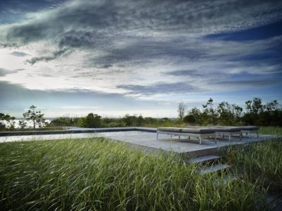 vue panoramique piscine - Cove Residence par Stelle Lomont Rouhani Architects - Hamptons, Usa