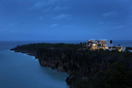 vue panoramique sur l'océan de nuit - Ani Villas par Lee H. Skolnick Architecture - Anguilla