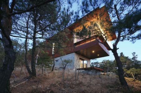 contreplongée sur porte à faux - Hyunam-house par IROJE Architects & Planners - Gunwi-gun, Corée du Sud