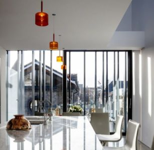 vue pièce cuisine - Percy lane luxury homes par Odos architects - Dublin Irlande.jpg