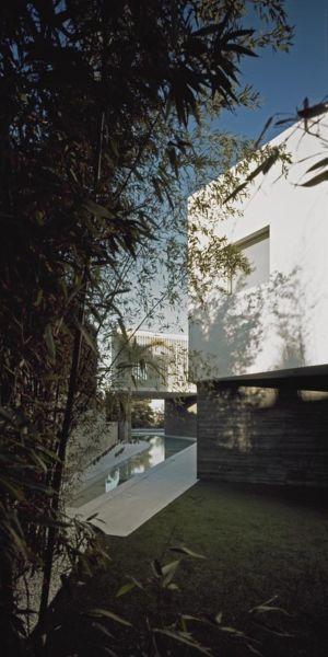 vue piscine - Psychiko House par Divercity Architects - Athènes, Grèce