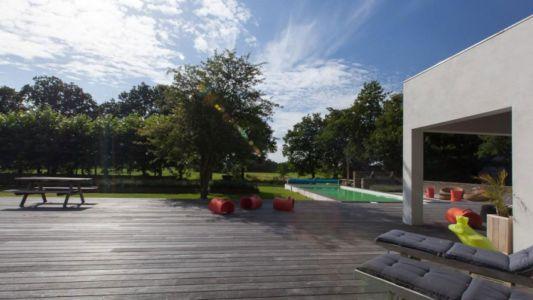 vue piscine et jardin - Donderen Barnhouse par aatvos - Donderen, Pays-Bas
