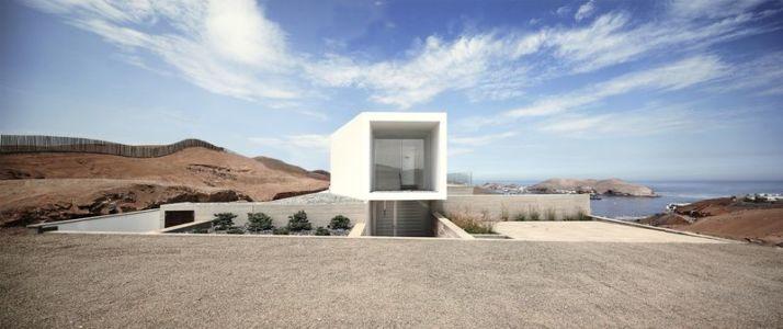 vue porte à faux - House-Poseidon par Domenack arquitectos - Pucusama, Pérou