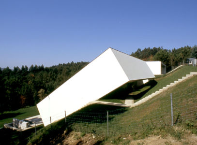 vue principale - 2houses-de-moura par Eduardo Souto De Moura - Ponte de Lima, Portugal