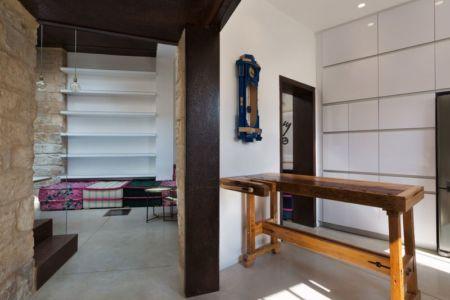 vue salon - Stone-House par Henkin Shavit Architecture & Design - Safed, Israël