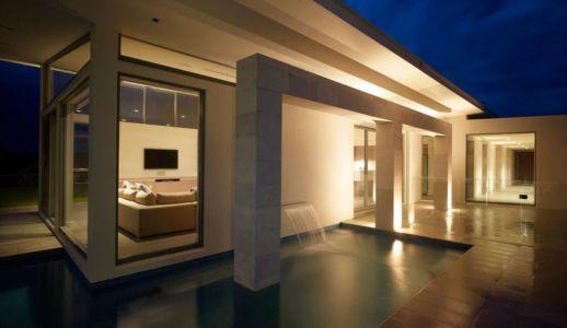 vue salon nuit - Piccoli Residence par  Casalgrande Padana Spa - Indiana, USA