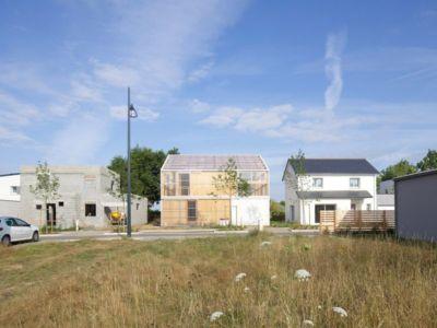 vue s'ensemble - Maison D par Fouquet Architecture - Coueron, Loire-Atlantique, France.jpg
