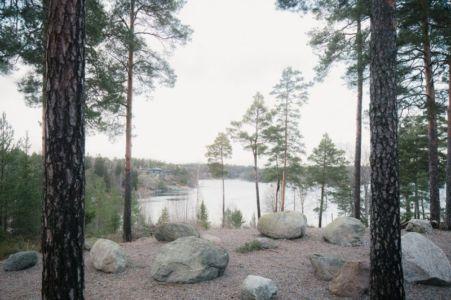 vue sur baie - maison bois contemporaine par Gabriel Minguez - Ingarö, Suède