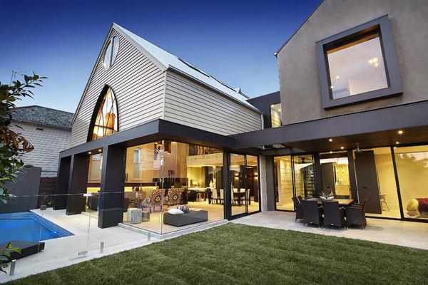 transformer une glise en habitation 6 exemples incroyables construire tendance. Black Bedroom Furniture Sets. Home Design Ideas