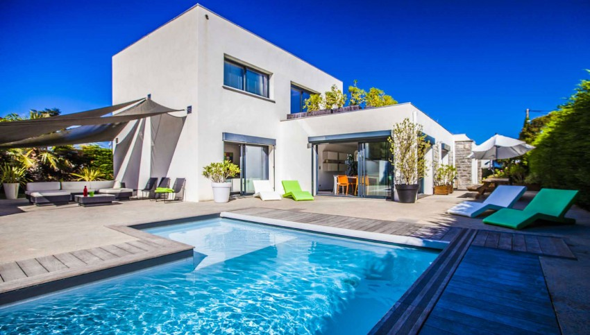 Location maison contemporaine villa pop art france construire tendance for Villa vacances piscine