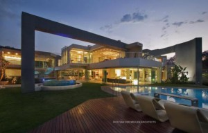 vue-nuit-glass-house-par-nico-van-der-meulen-architects-c3a0-johannesburg-afrique-du-sud