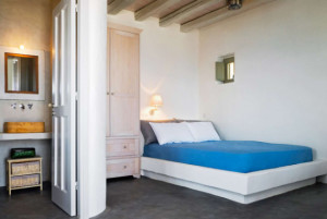 chambre-et-salle-de-bains-eagles-nest-sinas-architects-serifos-grc3a8ce-nikos-stefani1