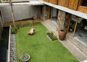 cour-2-maison-bambou-par-atelier-sacha-cotture-philippines1