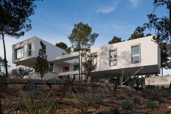 Maison contemporaine domaine des vautes par fr d ric for Maison avec une tour