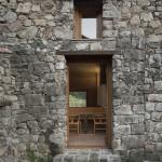 entrée - rénovation - maison traditionnelle - El Bosquet  - espagne - photos Aleix Bagué