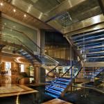 Escalier éclairé en verre - Glass House par Nico Van Der Meulen Architects à Johannesburg Afrique du Sud
