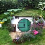 façade - Hobbit Hole in Backyard, Angleterre