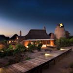 Façade de nuit  - Réserve Leobo - Rech et Cartens Architects - Afrique du Sud