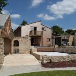 Grange et bassin - Maison Bois - Patrice Bideau - St Goustan - France