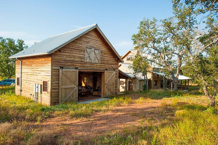 R 233 Novation Maison Et Grange Par Heritage Barns