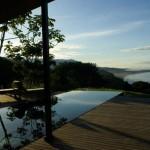 piscine et océan - casa williamson - foro - costa rica