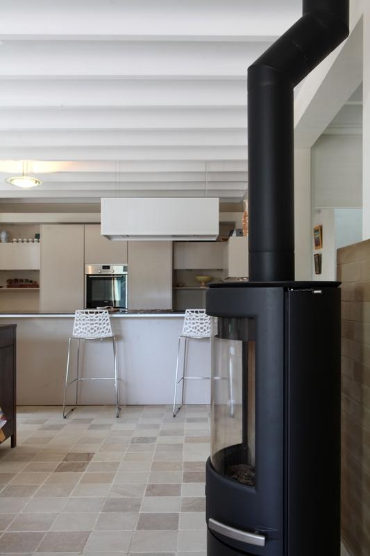 maison du poele a bois poele a bois suiza le marquier. Black Bedroom Furniture Sets. Home Design Ideas