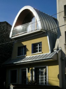 Face arrière - toiture zinc - Surélévation bioclimatique Cros Architecte Montreuil