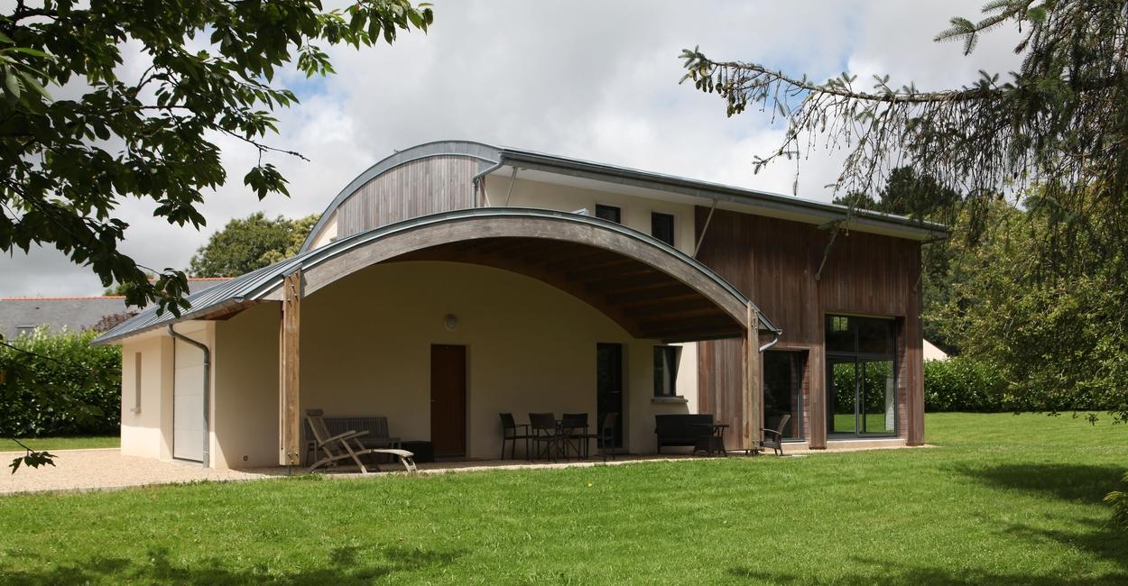 une maison bois contemporaine a typique patrice bideau pluvigner france construire. Black Bedroom Furniture Sets. Home Design Ideas