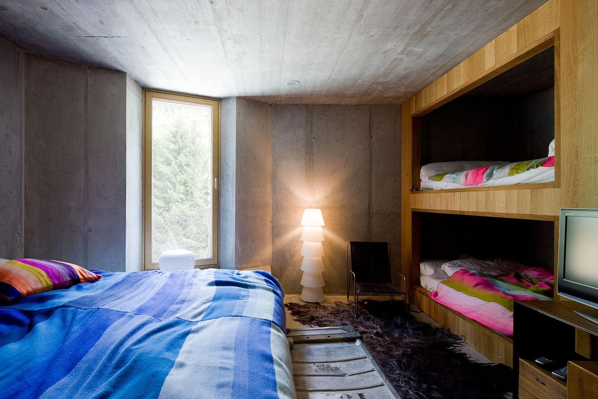 maison enterr e par search et cma vals suisse. Black Bedroom Furniture Sets. Home Design Ideas