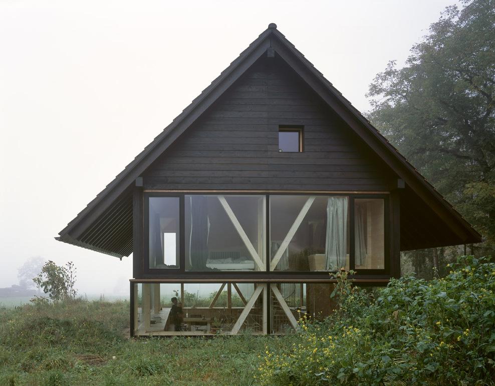 Maison bois contemporaine par pascal flammer architect for Architecture suisse